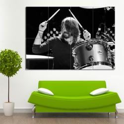 โปสเตอร์ ขนาดใหญ่ ภาพนักดนตรี Dave Grohl Drumming เดฟ โกรล (P-0480)