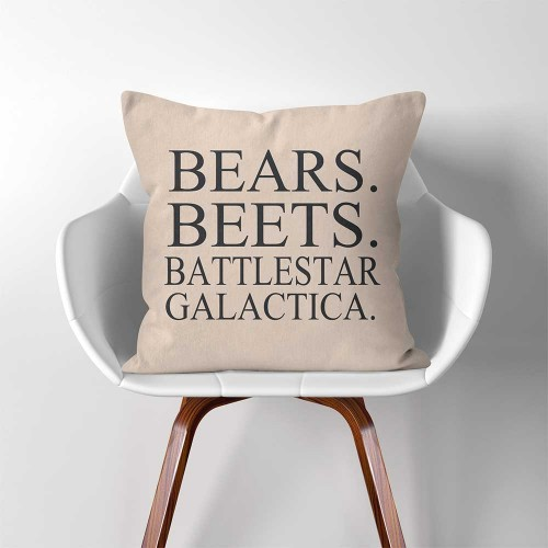 "ปลอกหมอนอิง ภาพ Dwight Schrute The Office TV SHOW ""Bears. Beets. Battlestar Galactica"""